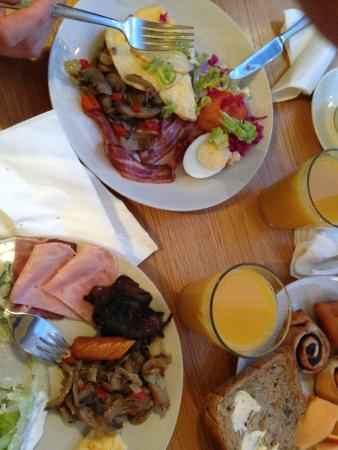 4th Floor Hotel: Le petit déjeuner