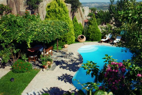 Assos Alarga, Bed and Breakfast: poolside at AssosAlarga
