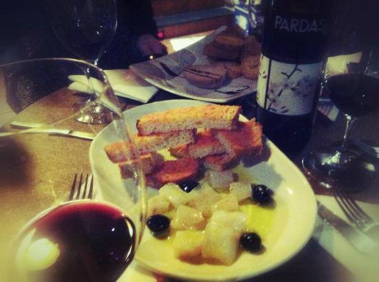 Tap de Suro: Un sopar de tapes i bon vi