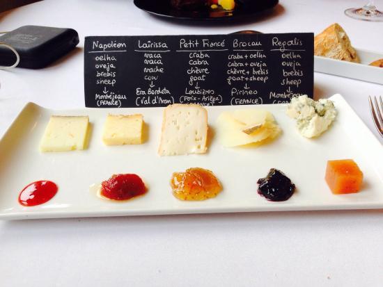 Er Occitan: Postre de quesos variados