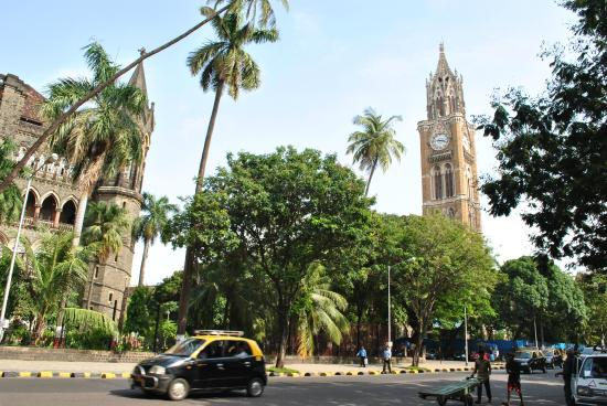 Rajabai Clock Tower : The clock tower in all its beauty