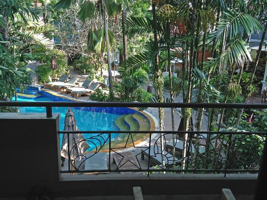 The Viridian Resort : pool view from the balcony