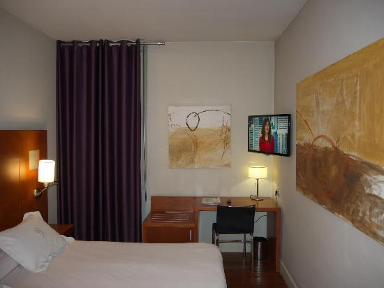Hotel Sant Roc: room with desk/TV