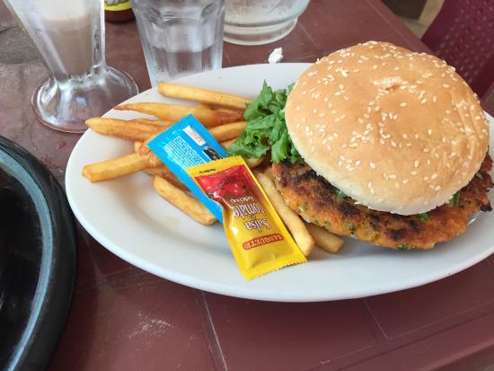 Soda La Naranja: Vegetarian burger
