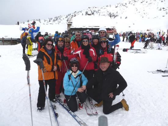 Bargsunnu: Unsere Gruppe im Skigebiet