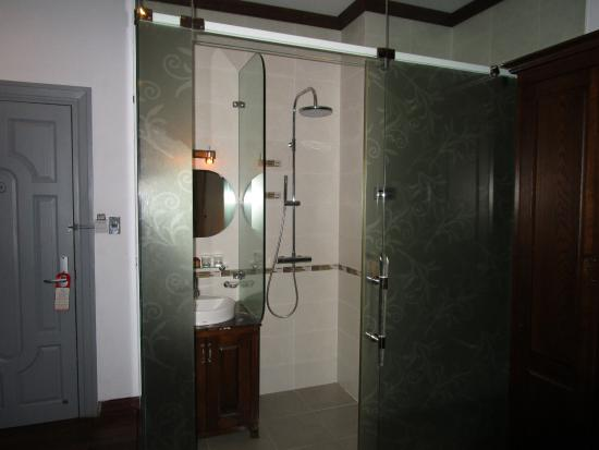 MerPerle SeaSun Hotel: Bathroom