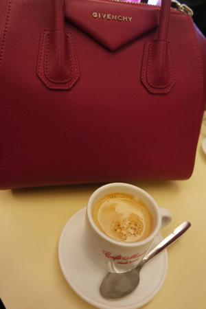 Cafe Madrid: coffe :)