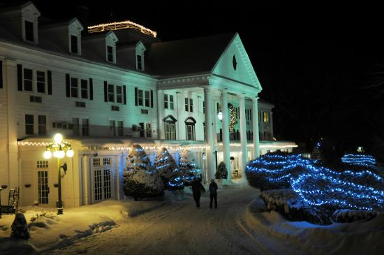 Eastern Slope Inn: Christmas Lights