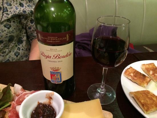 Bean n' Berry: Lovely wine to go with cheese board