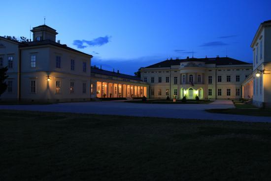 Karolyi - Kastely Hotel & Restaurant: Karolyi Castle