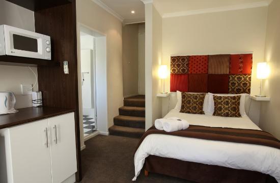 Rustenbosch Guest House: Our Room