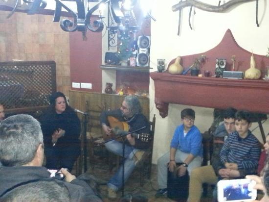 Braseria La Taberna: Noches de flamenco en la braseria Ambiente inmejorable