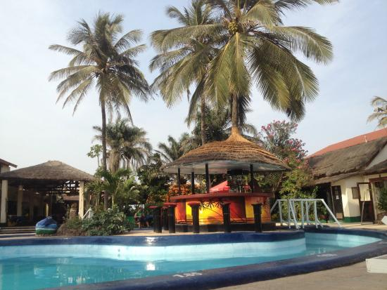 African Village Hotel: pool area