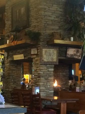 Flapjacks Pancake Cabin: Central fireplace is huge!