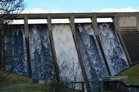 Blubberhouses, UK: Into spillway