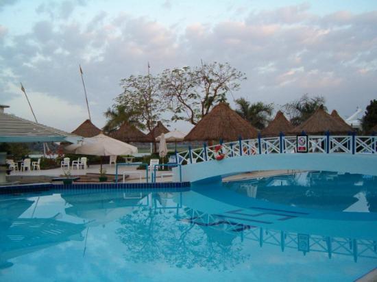 Pyramisa Isis Hotel & Suites Luxor: La zona piscina