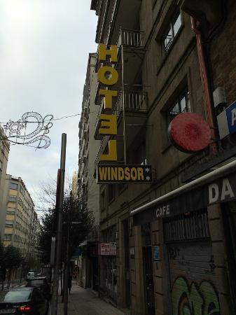 Hostal Windsor : ด้านหน้าโรงแรม