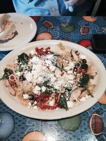 Magnolia Cafe: caspian pasta