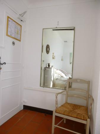 Moulin de la Camandoule : Entrée chambre
