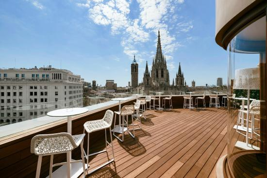 terraza panor mica bar picture of colon hotel barcelona. Black Bedroom Furniture Sets. Home Design Ideas