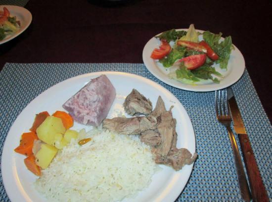 Hotel de Montana Aguas del Arenal : Lovely home made dinner!!