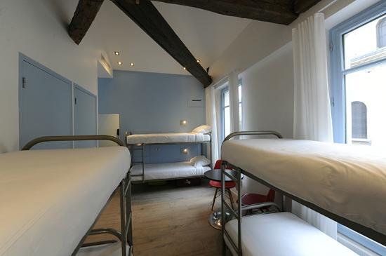 3 Ducks Hostel : Chambre de 6 personnes/6 bedded room