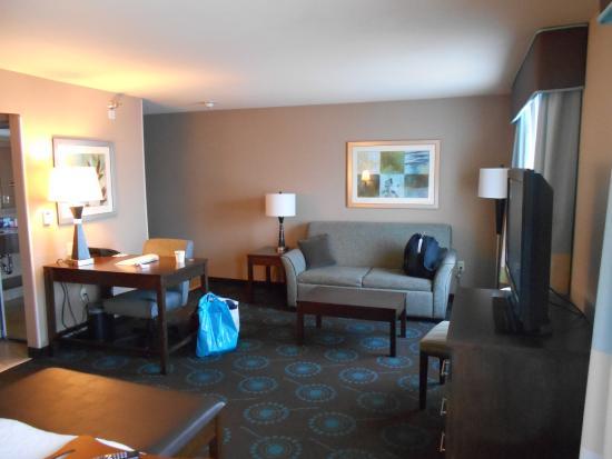 Hampton Inn & Suites Lincoln - Northeast I-80: Room 201
