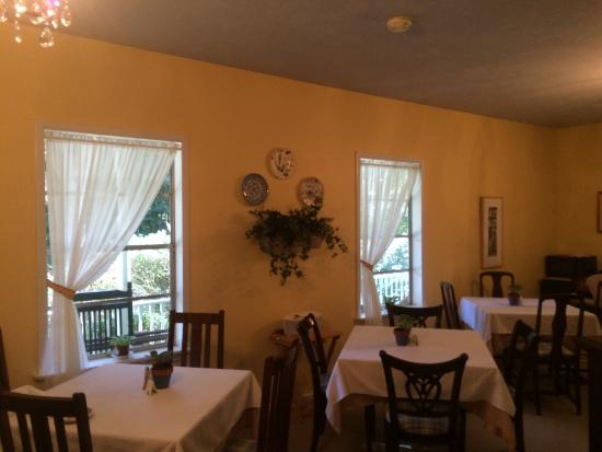 Magnolia Springs Bed & Breakfast : Dining room