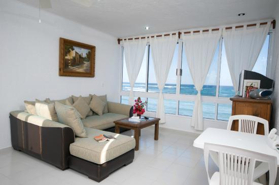 Del Sol Beachfront Hotel: One bedroom Suite
