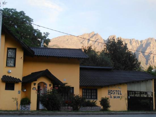 La Casa del Árbol  Hostel El Bolson: foto portada