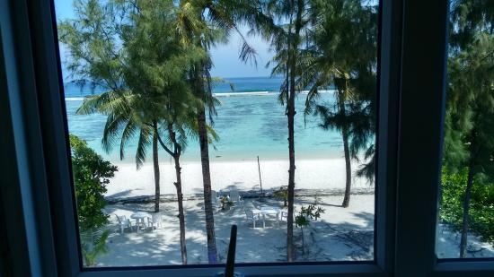Transit Beach View Hotel : Beach View from the Room