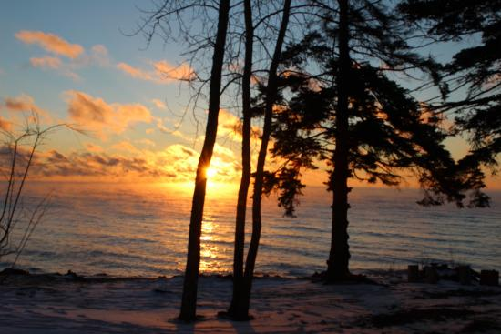 Larsmont Cottages on Lake Superior : Sunrise view from our room