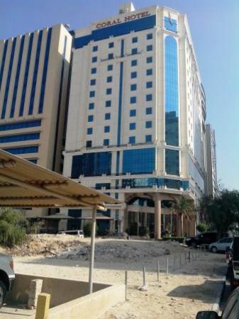 Best Western Plus Doha : Hotel from road