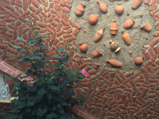 Casa Juan Carlos Orbea y La China : Hand crafted details.