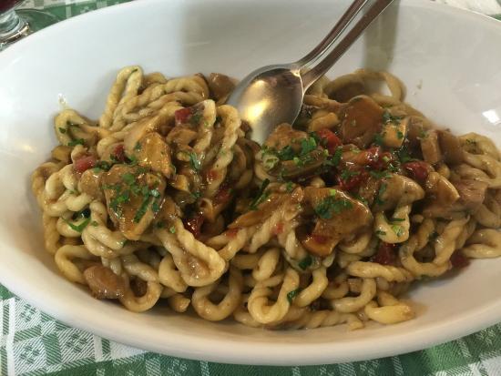 Macomer, Włochy: orichittas ai funghi (aiuto non so come si scrive)