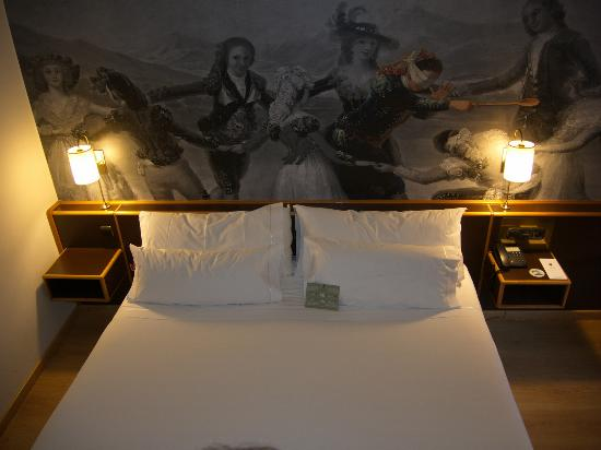Hotel Goya, room with bed