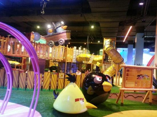 ‪Angry Birds Activity Park‬