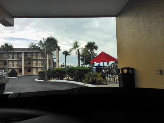 Days Inn Clermont Theme Park West: Área fora do Hotel