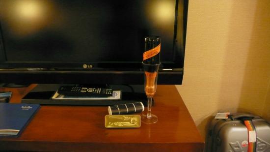 Fairfield Inn & Suites New York Manhattan/Times Square: Regalo de cortesia por New Year's Eve