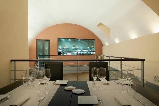 sala con cucina a vista - Foto di Palazzo Petrucci ...