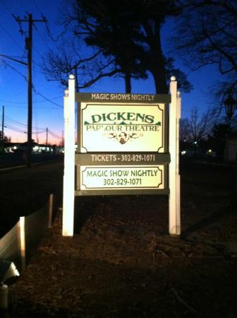 Millville, DE : Dickens Parlour Theatre
