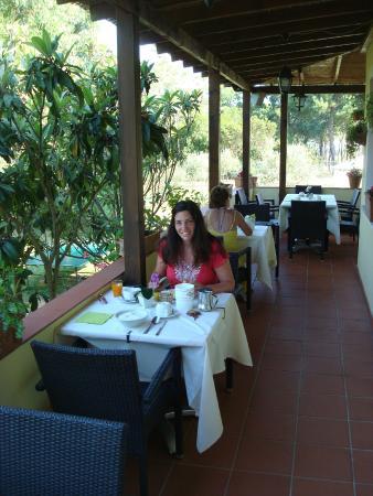 Hotel Tirrena: Mooie plek om te ontbijten
