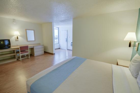 Motel 6 Houston NRG Park - Reliant Stadium: Guest Room