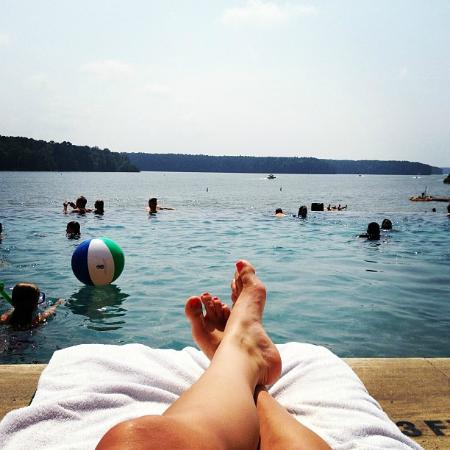 Greensboro, GA: Infinity pool overlooking the lake.. amazing!