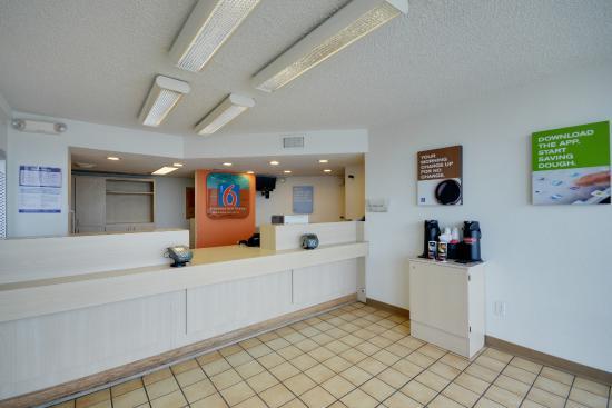Motel 6 Houston NRG Park - Reliant Stadium: Lobby