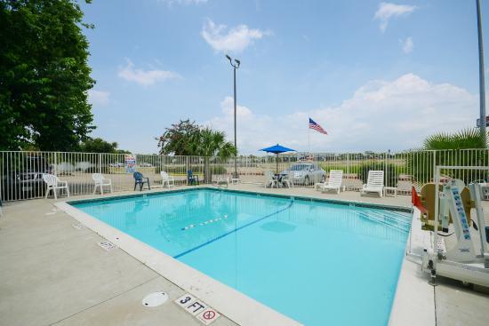 Motel 6 Houston NRG Park - Reliant Stadium: Pool
