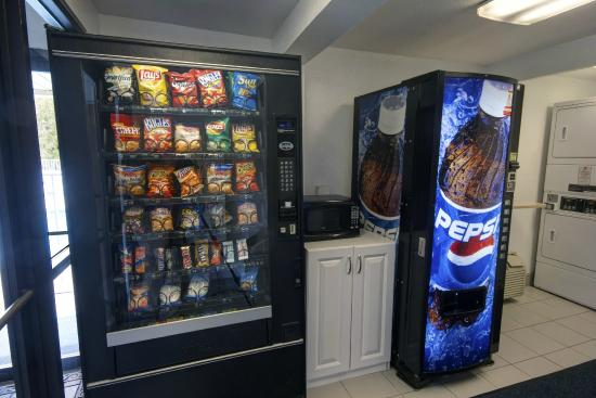 Motel 6 Charleston West - Cross Lanes WV: Vending