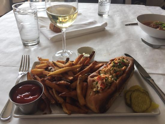 Hot Lobster Roll @ Noah's
