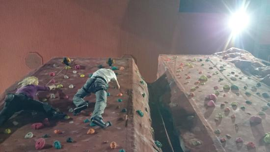 Awesome Walls Climbing Centre Stockport: auto belay