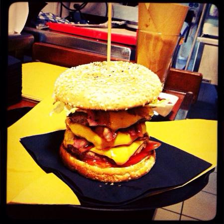 Rock Burger Cafe - BeneCosi